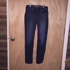 American Eagle size 4 skinny jeans.
